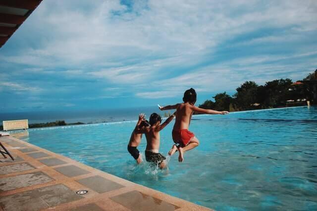 çocuklar için havuz kuralları