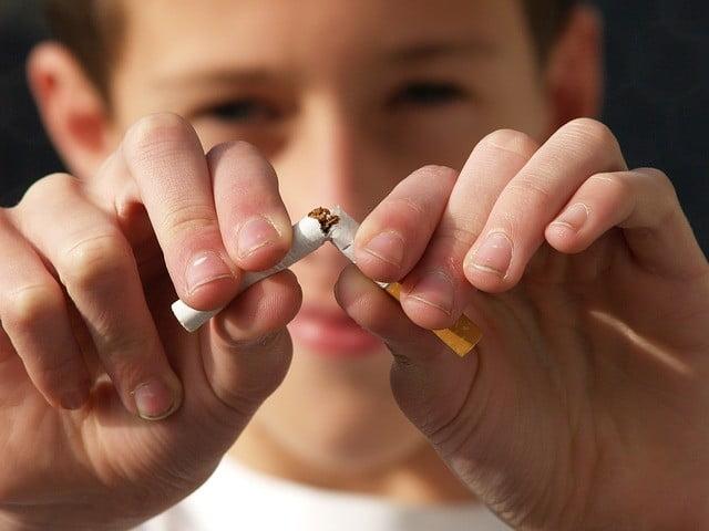 çocuğun yanında sigara içmenin zararları